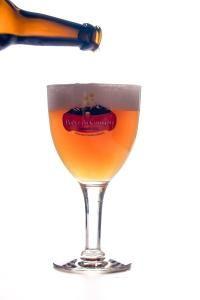 biere-qui-verse-dans-verre