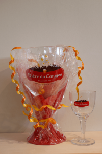 verre-geant-compare-au-verre-33cl